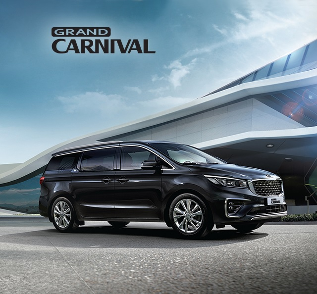 Kia Carnival Front Side View