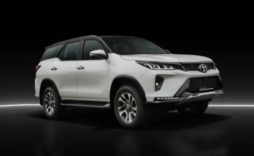 Toyota Fortuner 2021 Front Low View