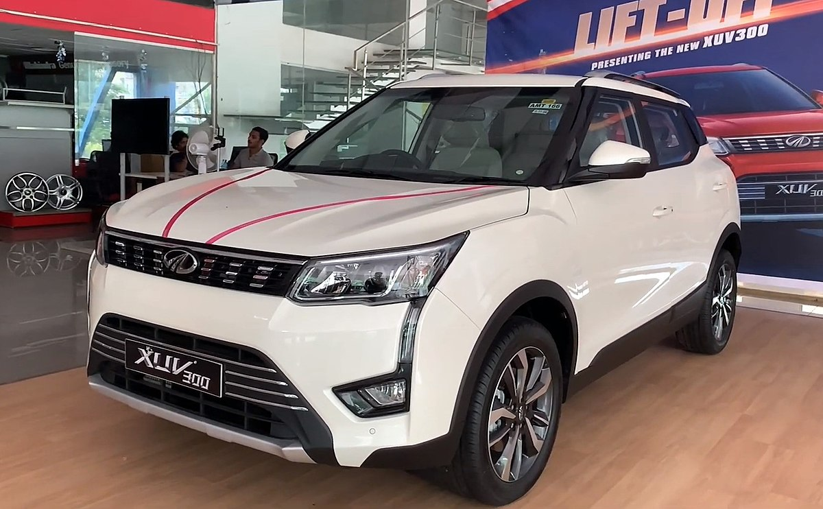 Mahindra XUV300 Front Low View