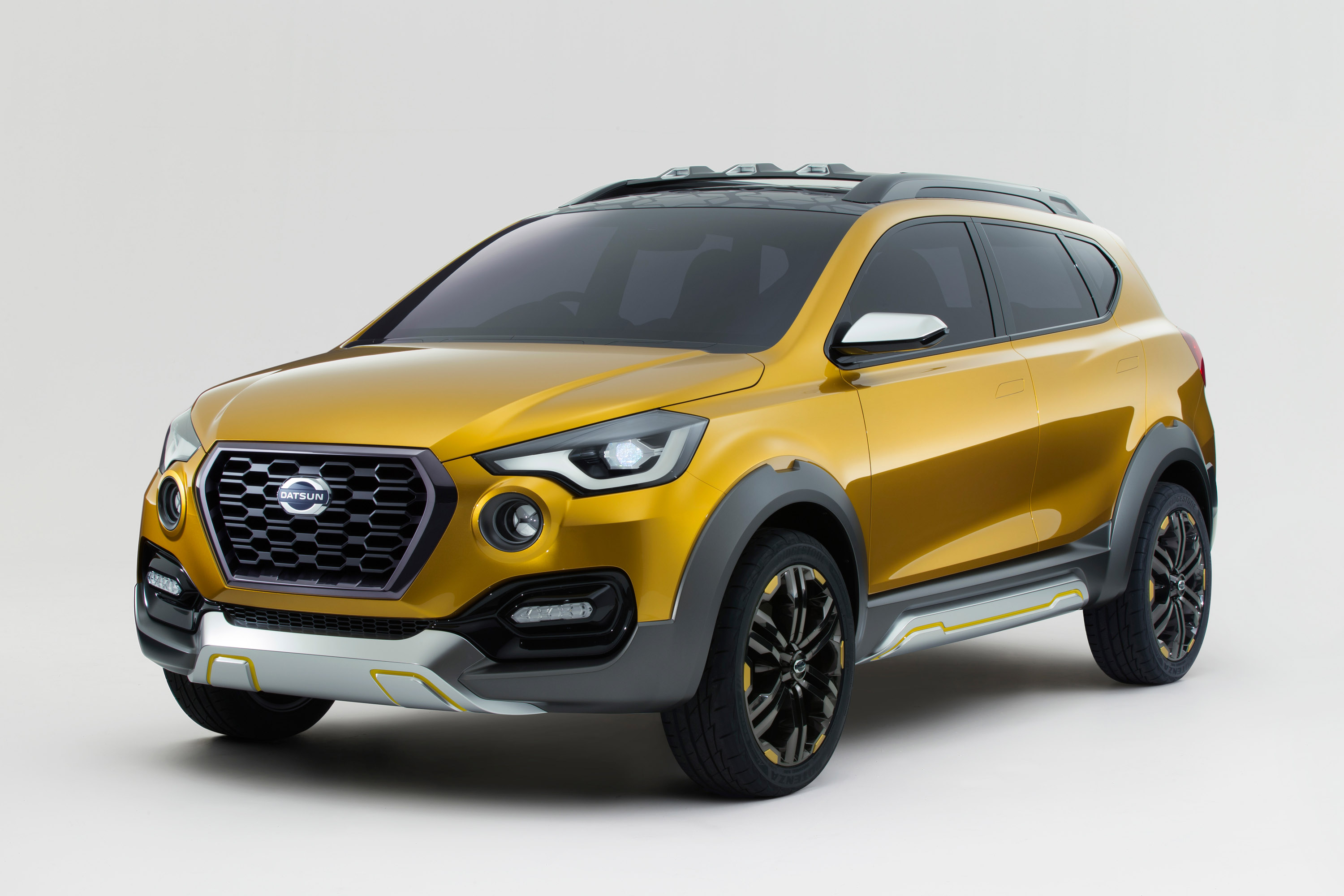 Datsun Go-Cross Front View PIcture