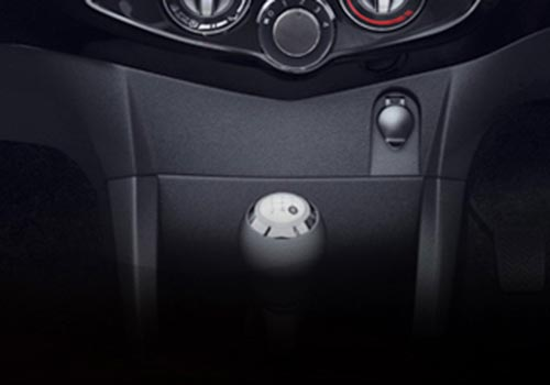 Toyota Etios Cross Gear Knob Interior Picture