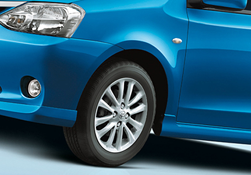 Toyota Etios Liva Wheel and Tyre Exterior Picture