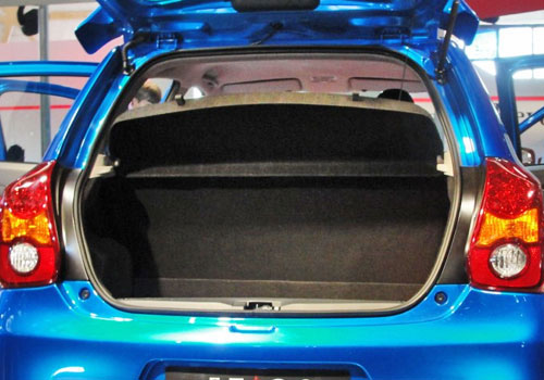 Toyota Etios Liva Boot Open Picture