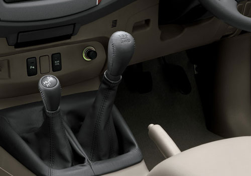Toyota Fortuner Gear Knob Interior Picture