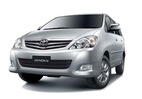 Toyota Innova Front High Angle View Picture