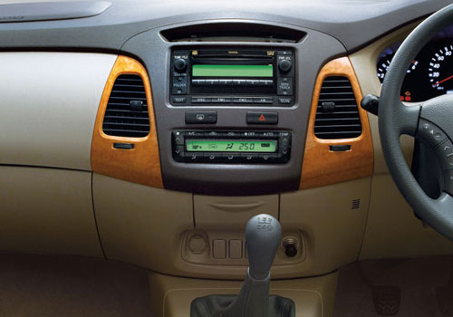 Toyota Innova Front AC Controls Interior Picture