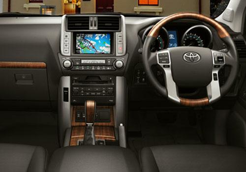 Toyota land cruiser 2013 interior