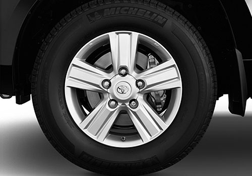 Toyota Land Cruiser Wheel and Tyre Exterior Picture