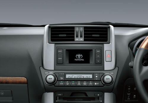 Toyota Land Cruiser Front AC Controls Interior Picture