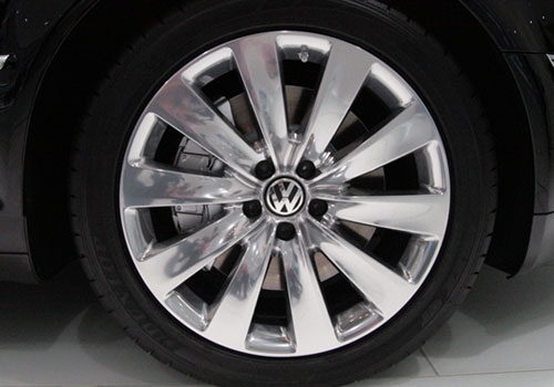 Volkswagen Phaeton Wheel and Tyre Exterior Picture