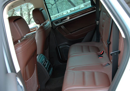 Volkswagen Touareg Rear Seats Interior Picture