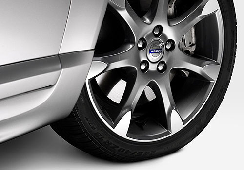 Volvo S80 Wheel and Tyre Exterior Picture