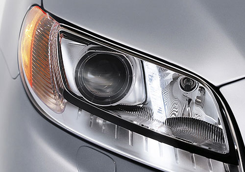 Volvo S80 Headlight Exterior Picture