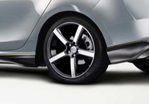 Volvo V40 Wheel and Tyre Exterior Picture