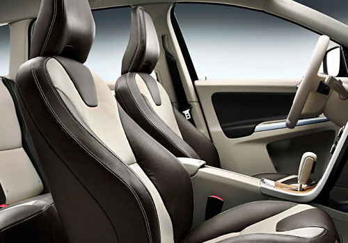 Volvo XC60 Front Seats Interior Picture