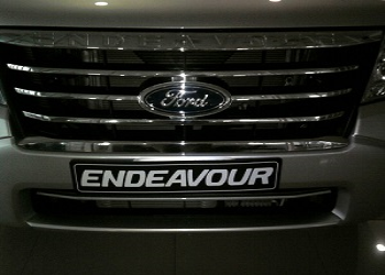 Give A Personal Touch To Your Ford Endeavour With Alluring Accessories