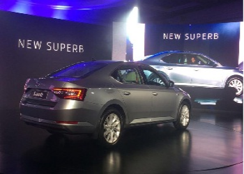 Skoda Superb 2016 launched in Indian car market, priced Rs. 22.68 lakh (ex-showroom price)